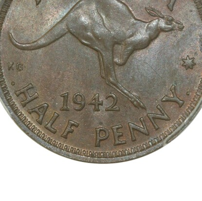 Dot before and after HALF PENNY indicating a Bombay mint issue