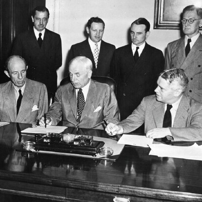 United States Secretary of State and representatives from Australia, New Zealand and Great Britain signing Lend-Lease agreements.